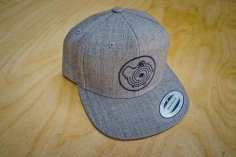 Snapback cap in grey with G-Lader logo